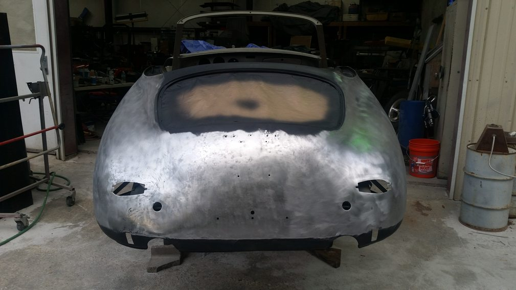 04-Rear body Straight on Stripped