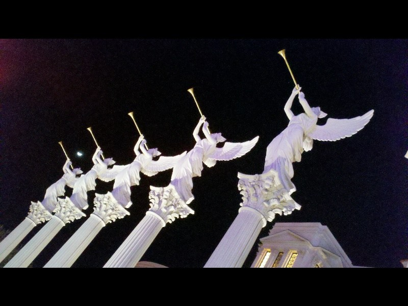 Trumpeting Angels at Ceasar's Palace