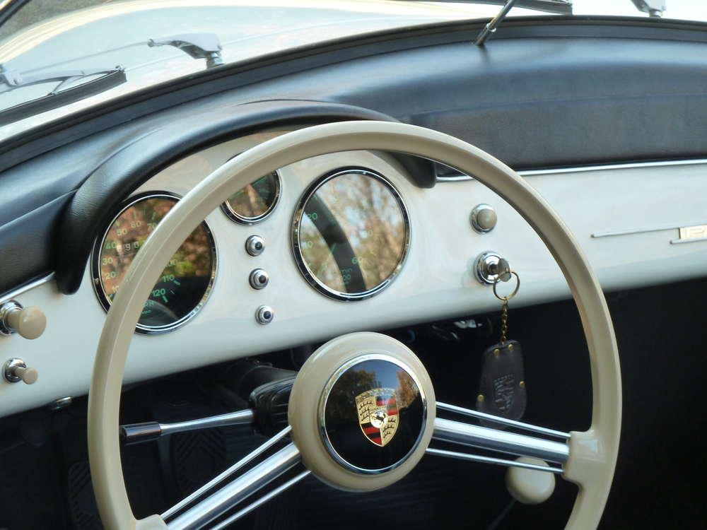 Porsche 356 Speedster Steering Wheel