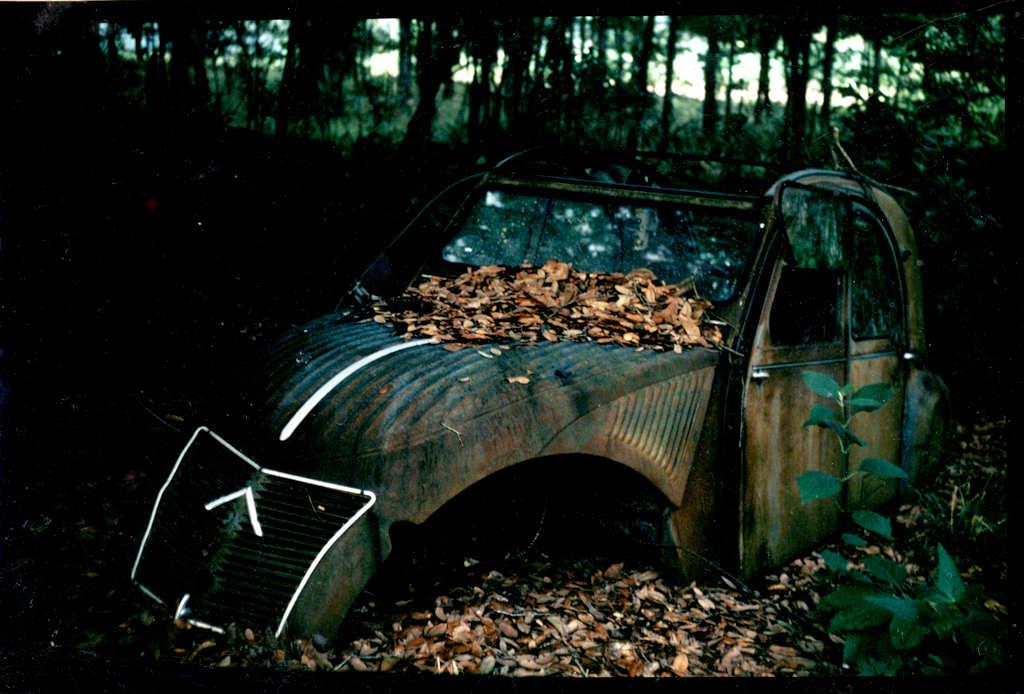 Old Car: Deux Chevaux