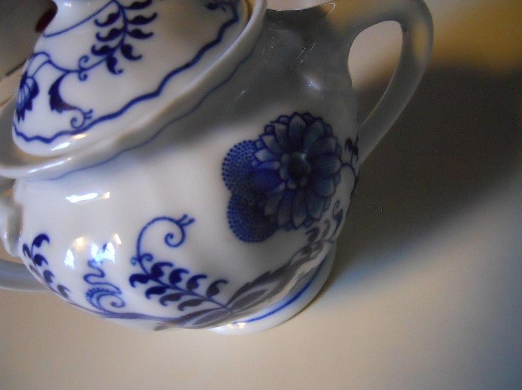 Blue Danube sugar bowl