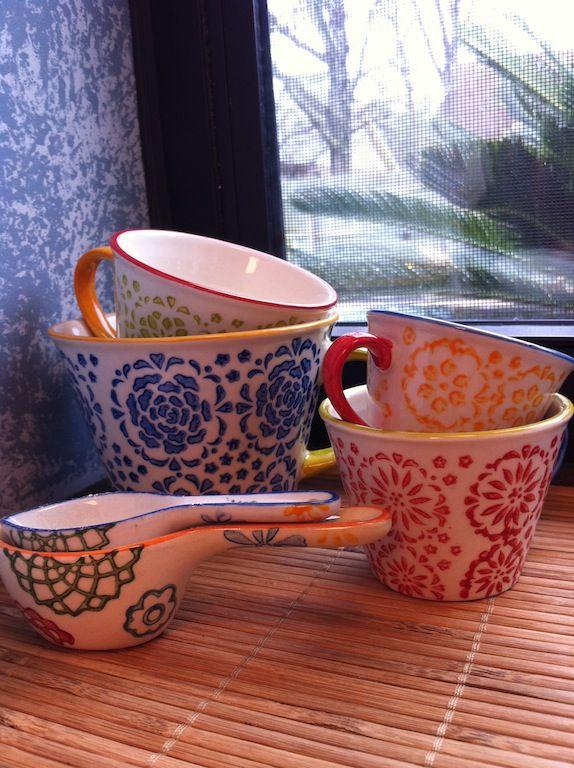 Decorative measuring cups