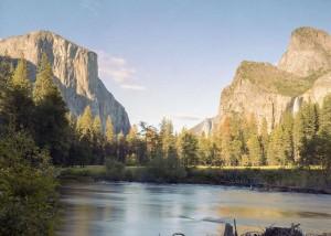 Has setting: Yosemite National Park